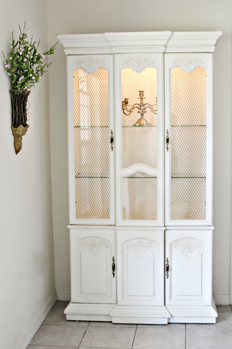 Shabby Chic China Cabinet – Sold |